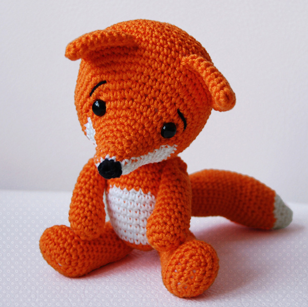 Amigurumi Strawberry Girl Free Pattern : Amigurumi Pattern - Lisa The Fox on Luulla